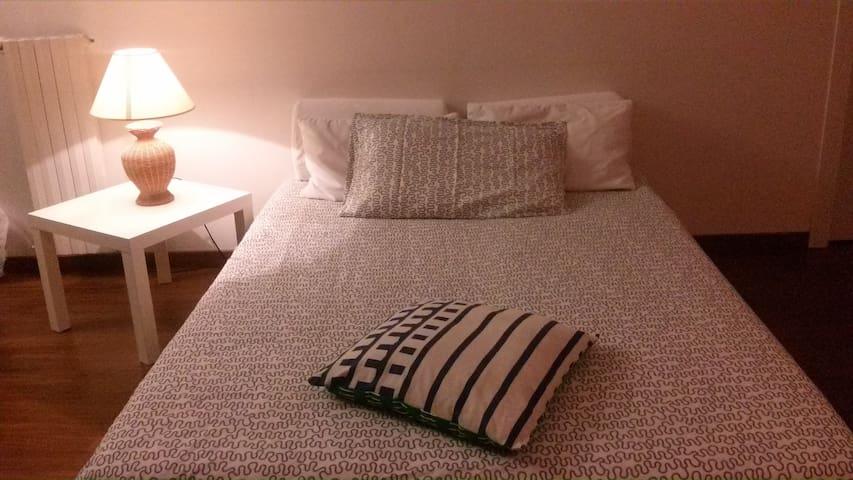 Ampia e nuova stanza indipendente - Campobasso - Casa