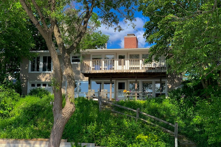 New Listing!  Keuka Lake, East Side, Penn Yan