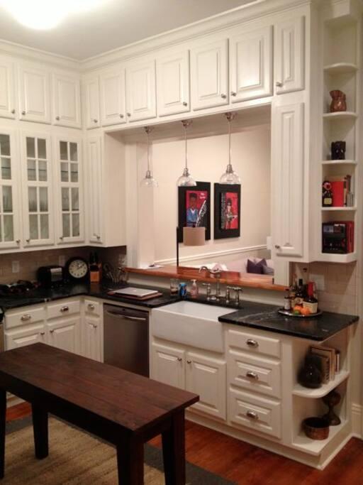 Kitchen Pic #1