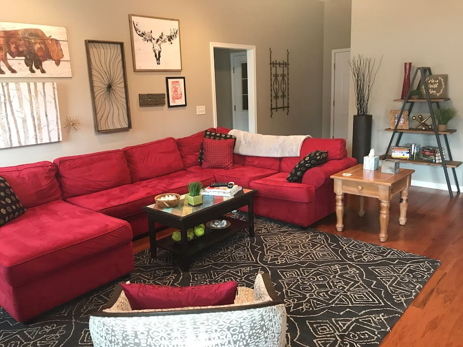 Sectional in Living Area that can comfortably sleep 2