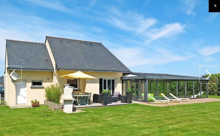 Villa de 3 chambres à Kersaint-Plabennec, avec piscine privée, jardin aménagé et WiFi - à 10 km de la plage