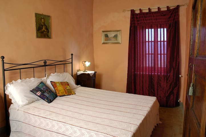 4 guest's apartment with s.pool - Gualdo - Apartament