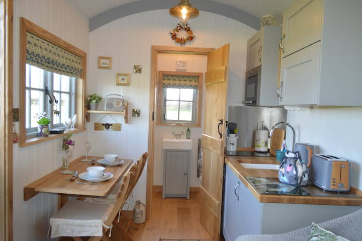 *Brand New For 2020* Willow View Shepherds Hut