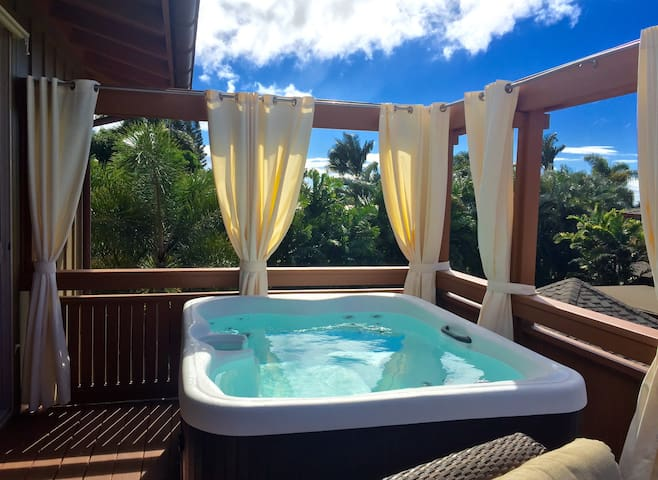 Sexy Luxe Guesthouse + 180° Views + Own Hot Tub - Kihei - Haus