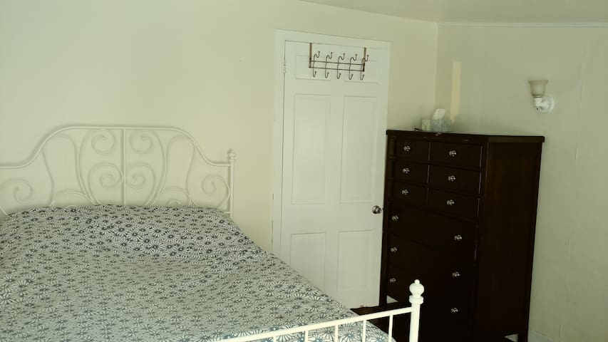 Furnished Mount Vernon room with shared bathroom