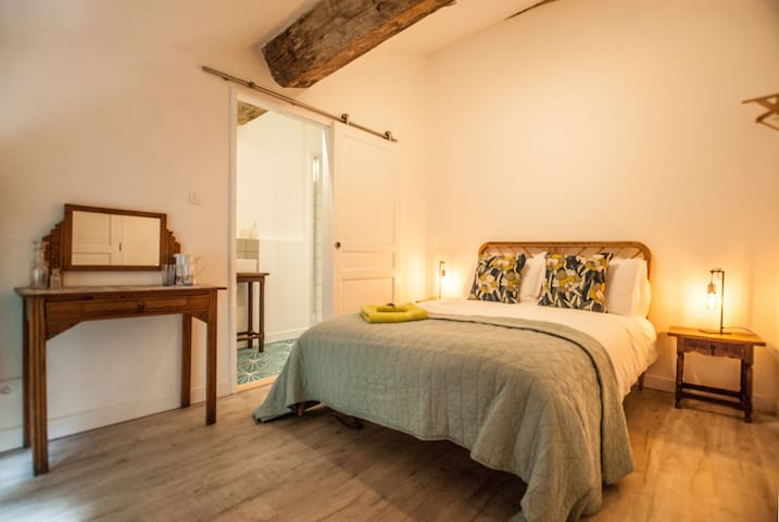 Beautiful double room in old winemakers house