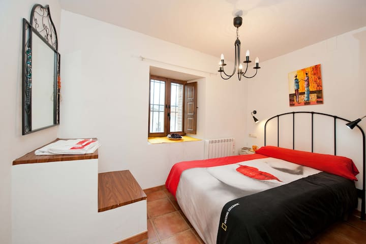 Casa Gatos close Cathedral, 3 rooms, up to 7 pax - Toledo - House