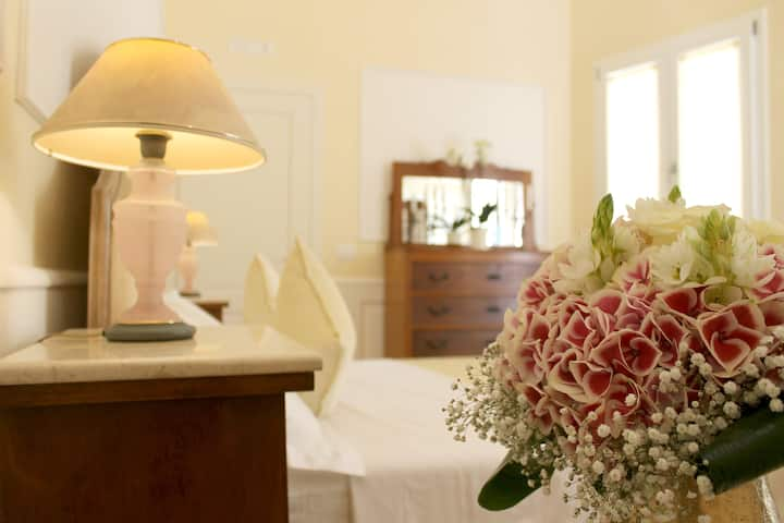Dimora Le Tre Muse - Bed and Breakfast