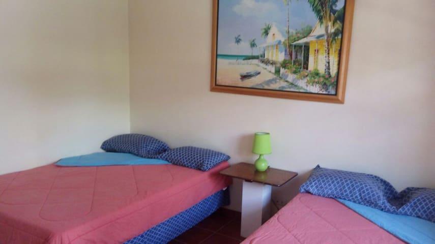 Chachahauala Beach Resort - Omoa - Hostel
