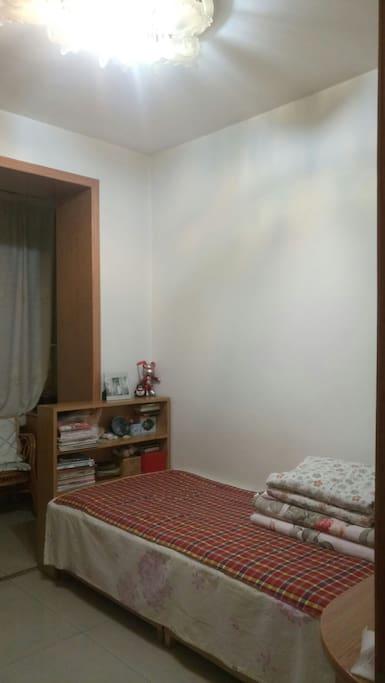 单人床,干净方便,床具干净整洁