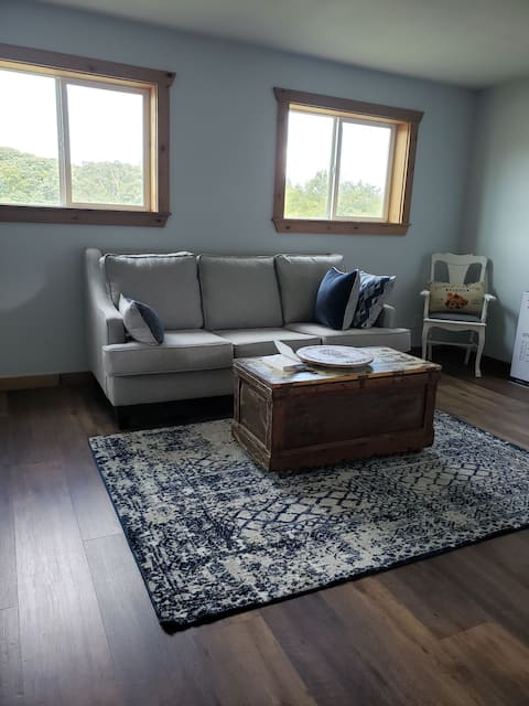 Lone Oak sits on 94 beautiful acres in Northeast Missouri.  Sit on the front porch and view all of nature at it's finest. If you are an early riser you can see the sunrise and at night the sunset. North River runs through the property.