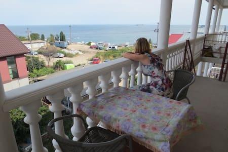 Квартира с мансардой на берегу моря г. Черноморск