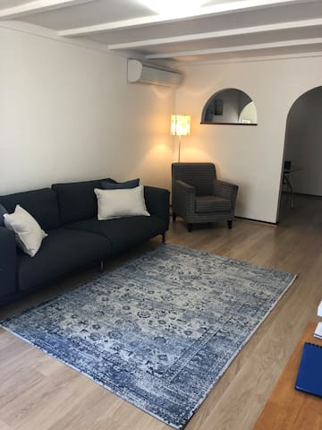 2 Bedroom Unit Centrally located