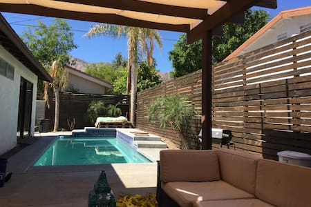 Casa Mendoza desert retreat w/ gorgeous pool!
