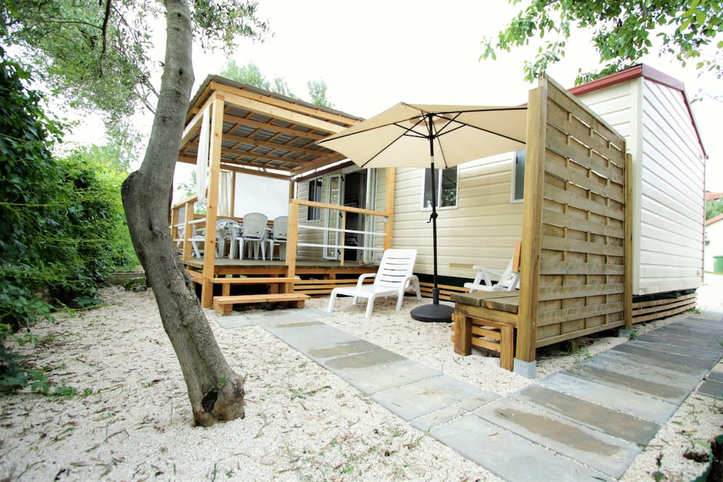 mobile home ivano kleine h user zur miete in sveti filip i jakov kroatien. Black Bedroom Furniture Sets. Home Design Ideas