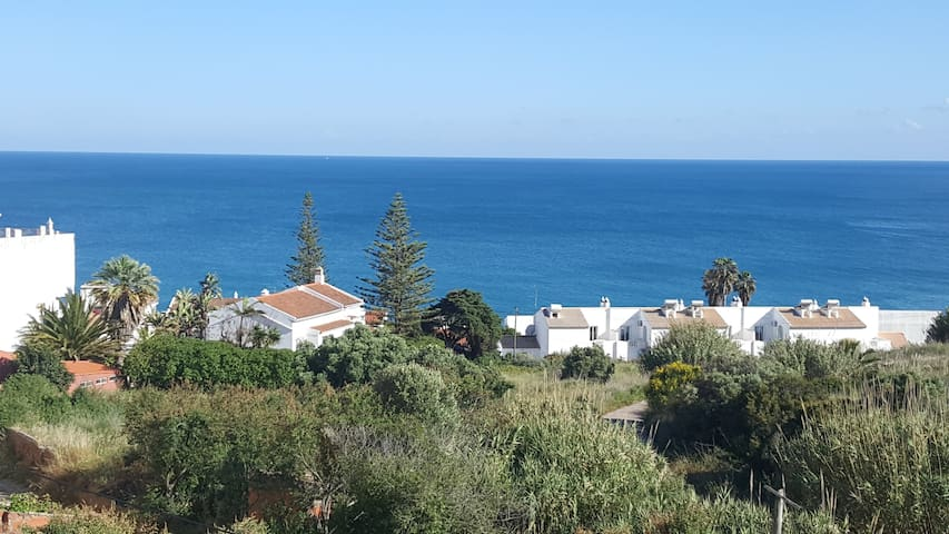 STAY@ Luz, Home with a view 5min walk to the beach