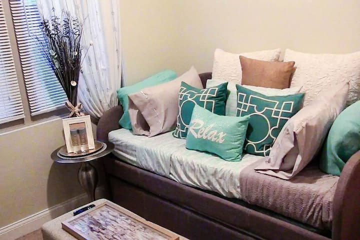 Trundle Bed (sleeps 2)--One bed on top and one-bed underneath, simply pull it out.
