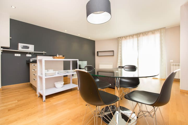 One BR wonderful option close to Ciudadella Park