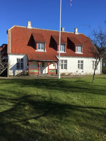 Hvide Hus Skagen skovbrynet 34. 1. th