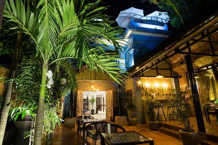 Villa D Boutique Superior Room+Airport Pickup+Pool