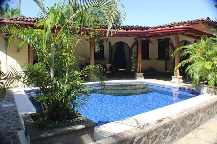 Casa Amistad by Vacation Pura Vida