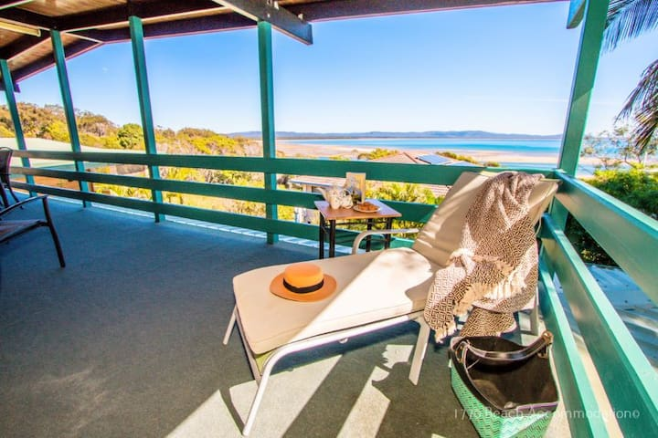 Cooinda-Holiday House at 1770, Ocean Views & Pool