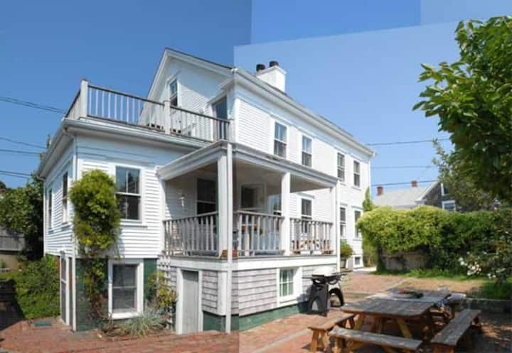 3 Bedroom Duplex near Provincetown Art Association