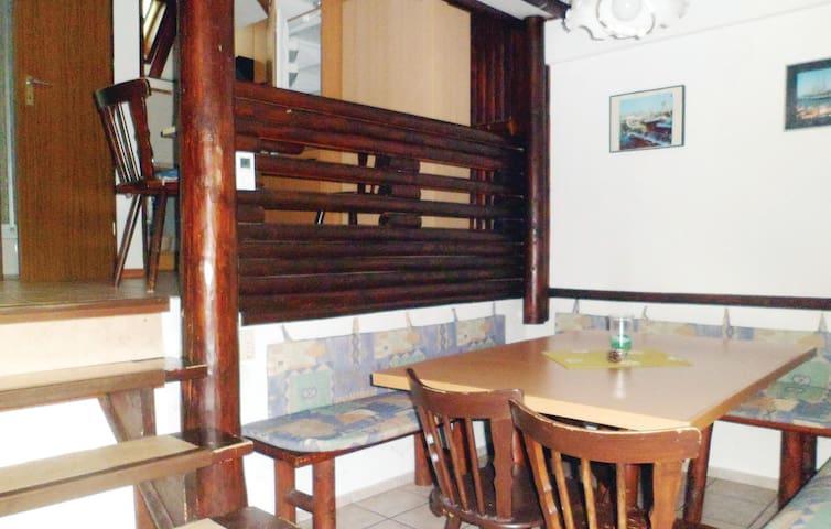 Angenehmer Urlaub im Ferienhaus für bis zu 6 Personen in Frankenau
