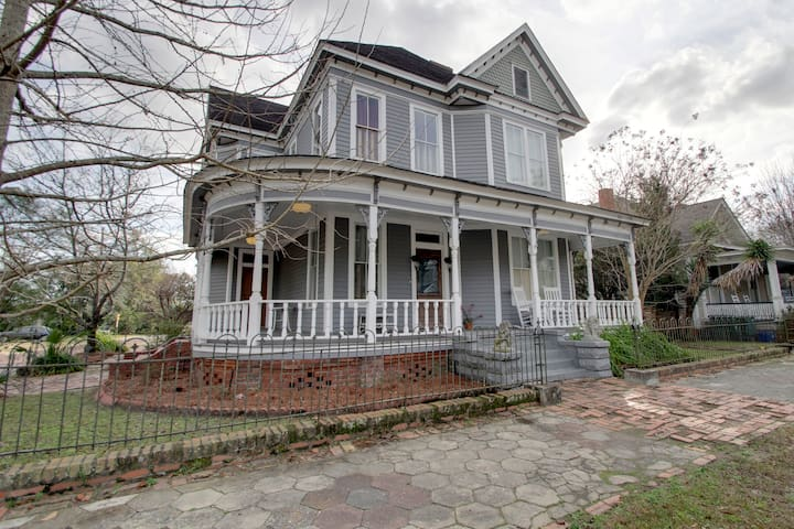 1906 victorian home