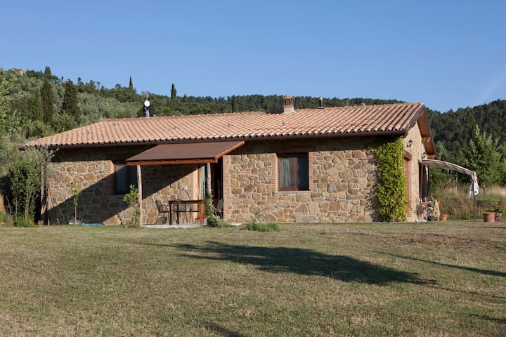 lovely appartment in tuscan nature - Castiglion Fiorentino - Leilighet