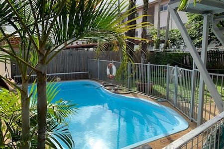 RumRunner 5, private room, close to city