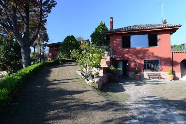 Country house with pool near Rome - Castelnuovo di Porto