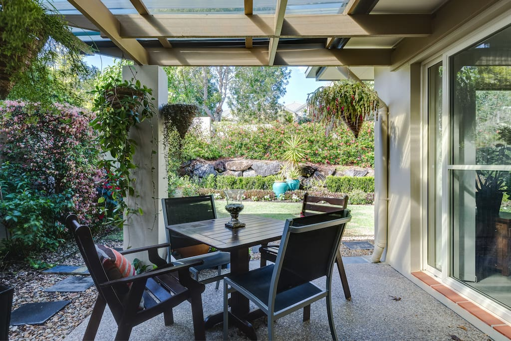 Outdoor bbq, patio and back yard garden & lawn