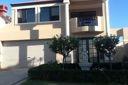 Luxury Home from $120.00 per  night - Mount Pleasant