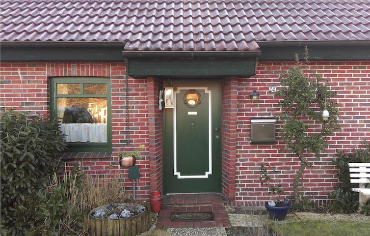 Terraced house with 2 bedrooms on 60 m² in Hooksiel