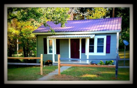 MountainBliss Cottage #stayhere! breweries-hiking
