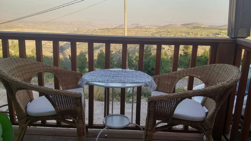 Charming house above wadi Tekoa - תקוע