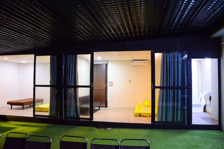 Lovely group room on the terrace, T-House