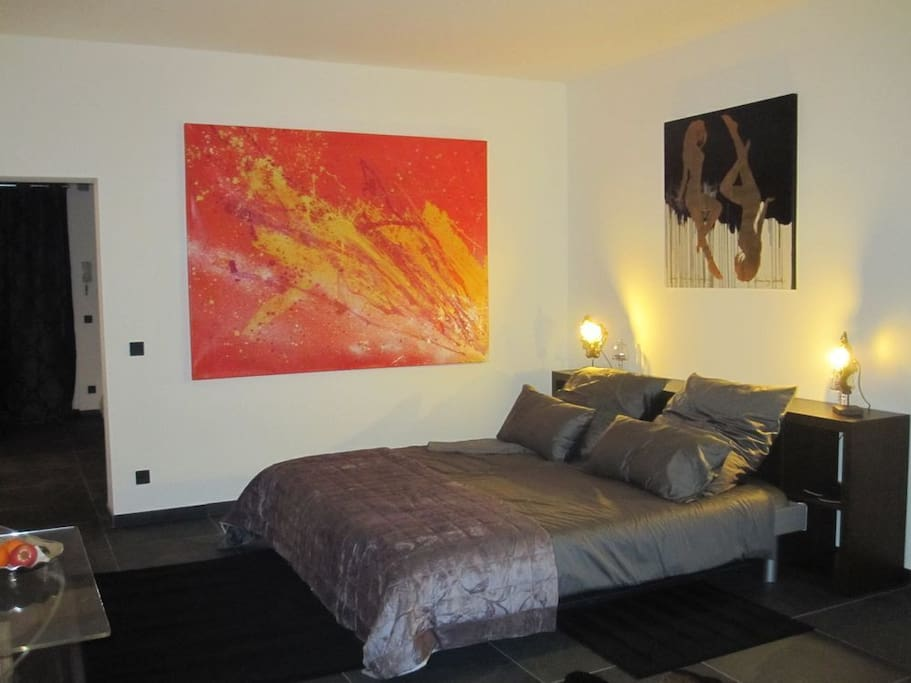 italienisches design am kudamm wifi wohnungen zur miete. Black Bedroom Furniture Sets. Home Design Ideas