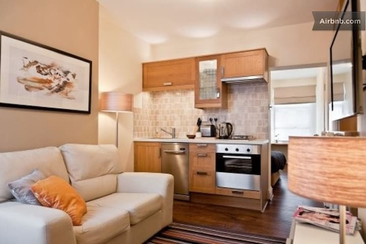 London Luxury Apartment#4 Zone 1 - Apartments for Rent in ...