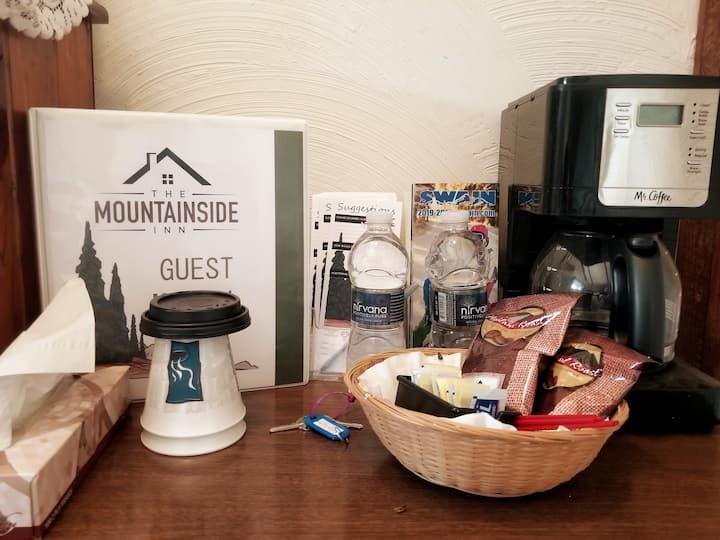 Bunkroom #4 Next to Swain Ski Resort