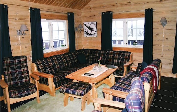 Amazing home in Trysil with Sauna, WiFi and 4 Bedrooms