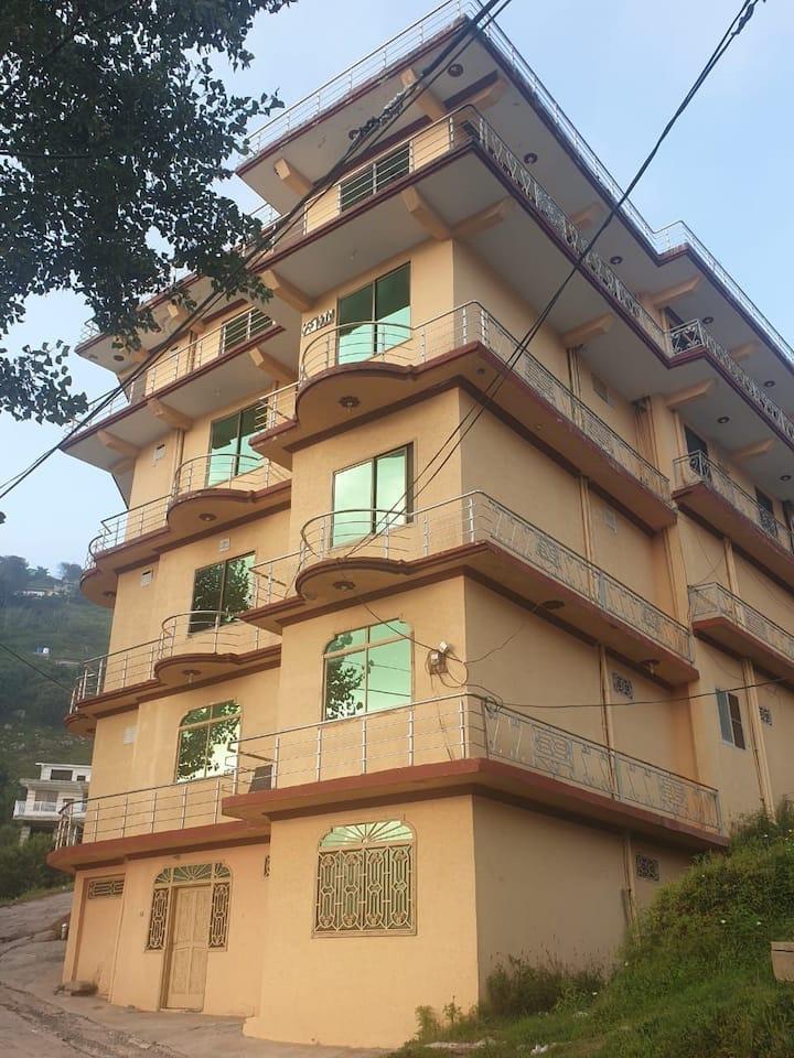 Bhatti Palace whole building Having 17 Apartments