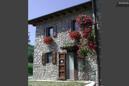 house in  woods - Serra Sarzana