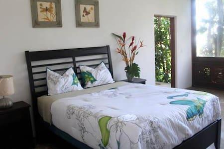 El Hotelito @ El Yunque Rainforest - Fajardo