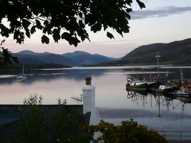 Tenterden,B&B (TWIN),the best view in Ullapool