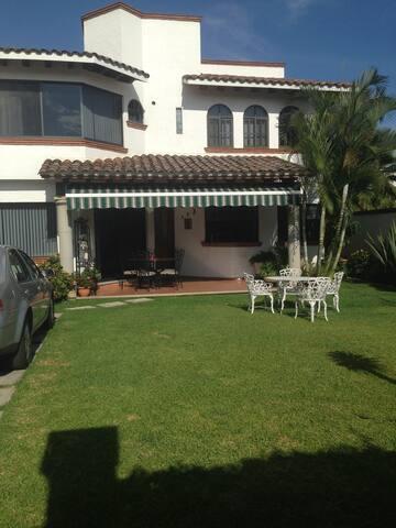 """Casa Particular En Cuernavaca. Casa """"Bonita"""""""
