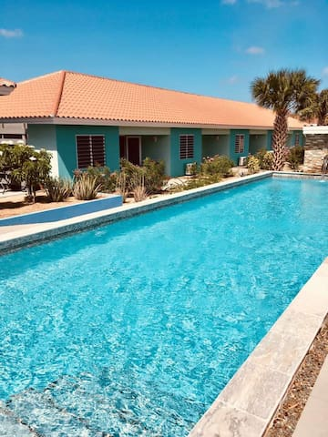 Curacao Cozy Holiday Home Bluebay