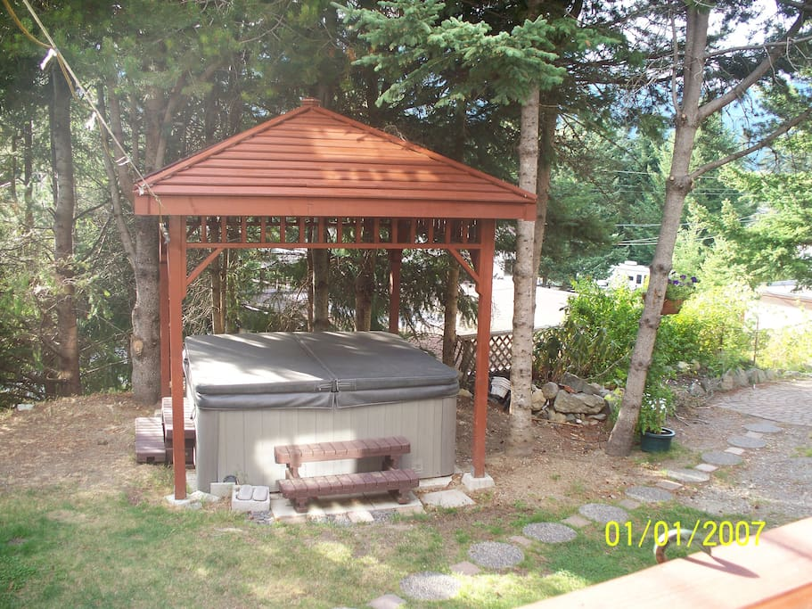 enjoy the hot-tub which is always on - take the chill off in winter/relax muscles in summer