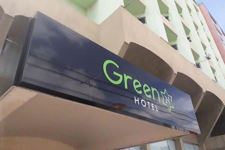 Green Hotel* Quarto 4